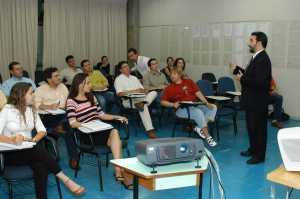 Professor anibal - coordenador do MBA em estratégia empresarial